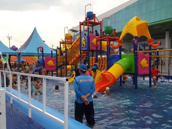 【国外】泰国  水上滑梯乐园